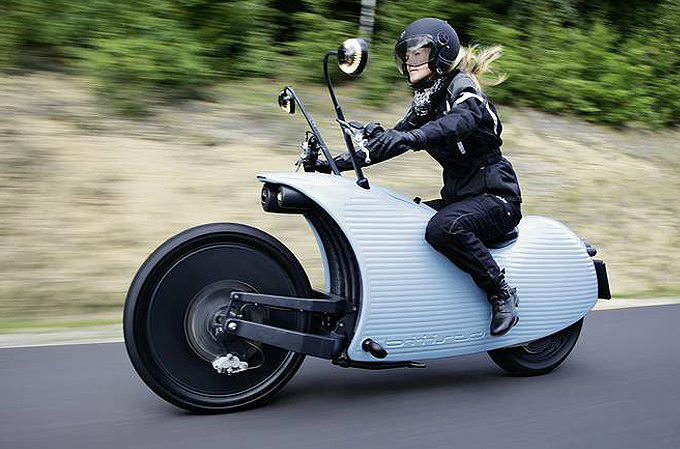 Elektrikli motosiklet ile geleneksel motor anlayışı rafa kalkıyor