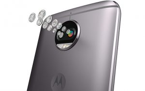 Çift arka kameralı ve LED flaşlı Motorola Moto G5S Plus