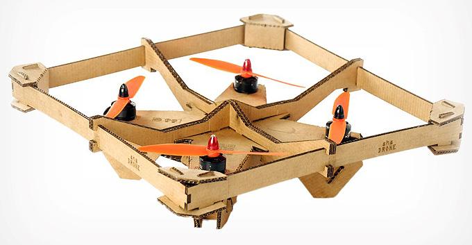 Karton malzemeden herkes için Kendin-Yap drone kiti