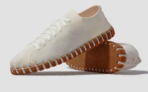 Yüzde 98 bitkisel malzemeden üretilmiş spor ayakkabı